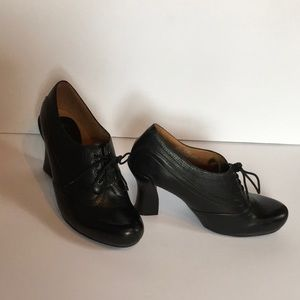 Earthies oxford style shoe - steam punk perfect